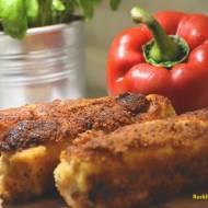 Roladki schabowe nadziewane szynką, serem, papryką i ogórkami.