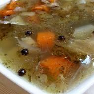 Zupa warzywna na gęsi