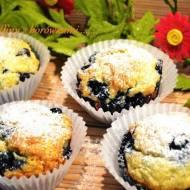 Muffiny z mrożonymi borówkami