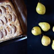 Tarta z gruszkami i serem pleśniowym z dodatkiem rozmarynu i gałki muszkatołowej