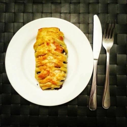 Kurczak w Cieście Francuskim ze Szpinakiem Kurczak w Cieście Francuskim