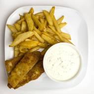 Frytki, ryba i sos tatarski