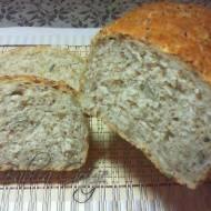Chleb z Kaszą Gryczaną , Pestkami Dyni i Słonecznikiem