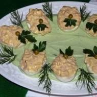 Jajka faszerowane szynką wzielonym sosie