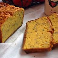 Chleb kukurydziany z bazylią