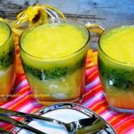 Smoothie -owocowy deser z jogurtem