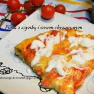 Pizza z szynką i sosem chrzanowym