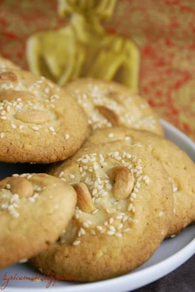 Ciasteczka z sezamem i kardamonem