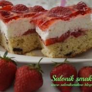 Wykwintne ciasto z truskawkami