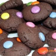 Ciasteczka czekoladowe z lentilkami