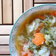 Zupa z młodej kapusty z pomidorami