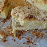 Obłędne ucierane ciasto z rabarbarem i kruszonką