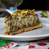 Sernik pistacjowy z polewą z białej czekolady