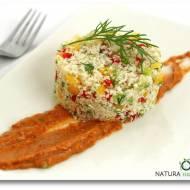 """""""Kuskus"""" z kalafiora w sosie z suszonych pomidorów"""