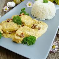 Kurczak w delikatnym sosie serowo-ziołowym
