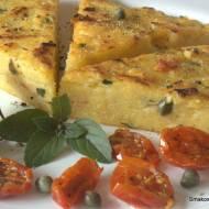 Polenta z suszonymi pomidorami i ziołami