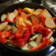 Vegetariańskie Dietetyczne Leczo - prosty przepis. Dieta odchudzająca warzywno-owocowa 14-dniowa kuracja oczyszczająca organizm