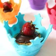 Babeczki truskawkowe z czekoladą