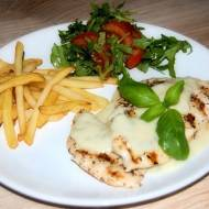 Grillowana pierś z kurczaka z sosem gorgonzola