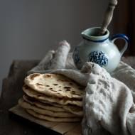 Naan – indyjskie placki chlebowe z patelni