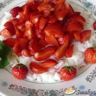 Ryż na gęsto z truskawkami