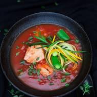 Zupa pomidorowa z rybą, cukinią i świeżym ziołami. Giancarlo Russo i Philipiak Milano.