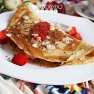 Omlet z serkiem mascarpone i truskawkami