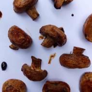 Pieczarki pieczone w sosie BBQ