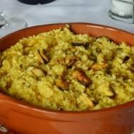 Szafranowe risotto z małżami