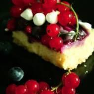 Ciasto z borówkami i porzeczkami