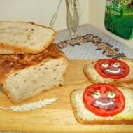 Chleb pszenno-żytni z cebulką