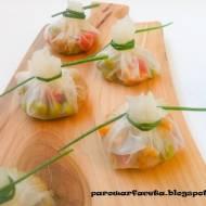 Sakiewki z papieru ryżowego z nadzieniem mięsno - warzywnym