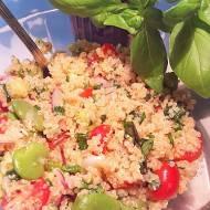 Tabbouleh – libańska sałatka z bobem, quinoą i ziołami