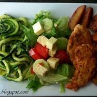 Grillowana Pierś z Kurczaka w Rewelacyjnej Marynacie z Pieczonymi Marynowanymi Ziemniaczkami i Spaghetti z Cukinii z Pesto alla