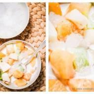 Owoce w mleku kokosowym z lodem (hoa qua dam)