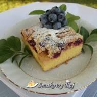 Ciasto ucierane z owocami np. z borówkami i jabłkami