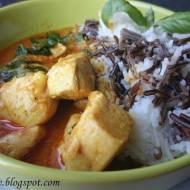 Curry z Kurczaka z Mleczkiem Kokosowym, Imbirem i Bazylią