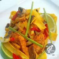 stir fry z fasolką szparagową i kurczakiem