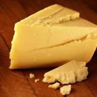 Wędzony ser cheddar