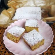 Łatwe ciasto z truskawkami i serwatką
