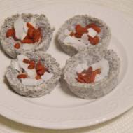 raw kokosowe talaretki z jagodami goji