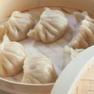 Chińskie pierożki Jiaozi gotowane na parze