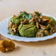 wegańskie kotlety z bobu z dietetycznym sosem kurkowym