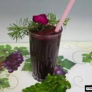 Koktajl jagodowy z miodokrzewem