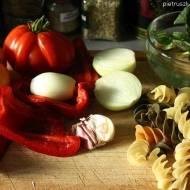 Makaron tricolor z papryką