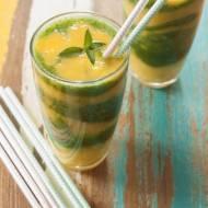 Smoothie z mango, melona i jarmużu
