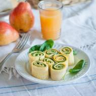Ślimaczki z omletów z żółtym serem i szpinakiem
