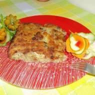 Ziemniaczana zapiekanka z kapustą, mięsem i grzybami