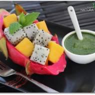 Smoczy owoc z mango w sosie miętowo-bazyliowym