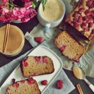 Bezglutenowe ciasto z cynamonem i malinami